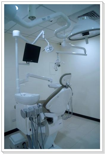 植牙界權威台中-牙醫